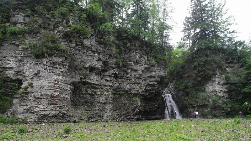 Бухтівецький водоспад-2